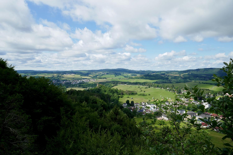 Gerolsteiner Dolomiten – Felsenpfad - Blick von der Munterley