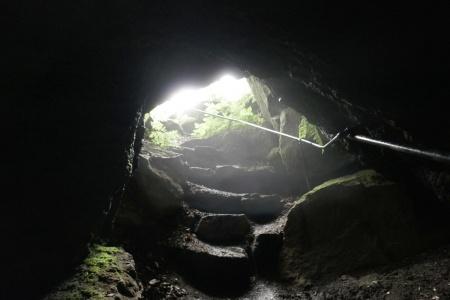 Vulkan-Pfad von Steffeln nach Gerolstein - Mühlsteinhöhle