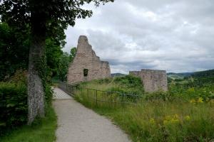 Gerolsteiner Dolomiten – Felsenpfad - Burg Gerolstein