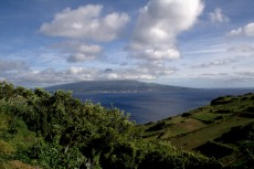 Pico von Faial aus gesehen