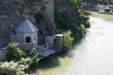Georgien - Tiflis, Kapelle am Kura Fluss