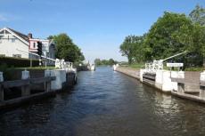 Mit dem Hausboot durch Friesland - Schleuse Joure