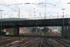 Teckel - Einfahrt in den Hagener Hauptbahnhof