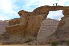 Jordanien – Felsenbrücke von Umm Fruth im Wadi Rum