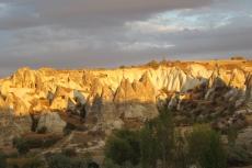 Kappadokien: Blick aus dem Hotelzimmer bei Sonnenuntergang