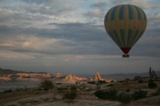 Kappadokien: Langsam geht die Sonne auf
