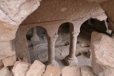 Kappadokien: Aus dem Gestein gehauene Säulen