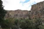 Kappadokien: Bis zu 150m hohe Steilwände