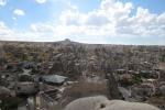 Kappadokien: Im Hintergrund der Burgfels von Uchisar