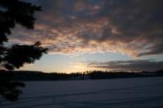 Lapplands Drag: Endloser Sonnenuntergang