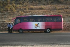 Marokko: Unser rosaroter Bus