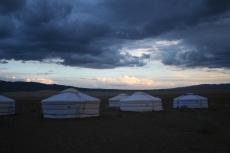 Mongolei: Dramatische Wolkenformation