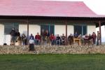 Mongolei: Unsere Gruppe genießt die Abendsonne
