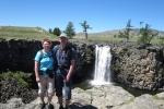 Mongolei: Am Wasserfall