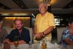 Mongolei: Unsere Reiseleiter Matthias und Jagy beim Abschiedsessen