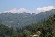 Nepal - Erster Blick aufs Annapurna-Massiv
