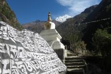 Nepal - Immer wieder Stupas