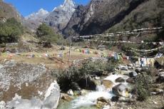 Nepal - Bachquerung bei Theso