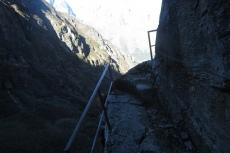 Nepal - Dem Geländer würde ich nicht trauen...