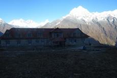 Nepal - Kongde Hotel vor dem Everest
