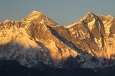 Nepal - Mt. Everest (8848m) und Lhotse (8516m) im Sonnenuntergang