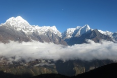 Nepal - Wolken in der Khumbu-Region