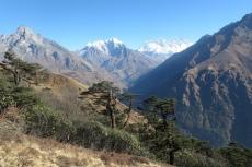 Nepal - Everest und Lhotse auf dem Abstieg nach Phakding