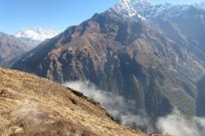 Nepal - Ein paar Wolken ziehen auf