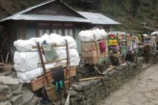 Nepal - Pause für die Träger