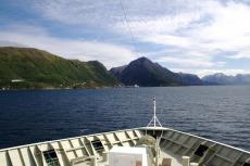 Nordkap, Hurtigruten und Lofoten: Anfahrt auf Øksfjord