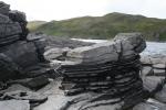Nordkap, Hurtigruten und Lofoten: Gesteinsschichten bei Kirkeporten