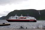 Nordkap, Hurtigruten und Lofoten: Hurtigruten im Hafen von Honningsvåg