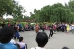 Spontane Gesangsveranstaltung im Jingshan-Park