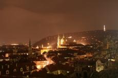 Kleinseite mit Petřín-Turm