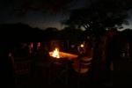 Botswana - Am Lagerfeuer der Mogotlho-Lodge