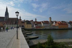 Read more about the article Zwischenstopp in Abensberg und Regensburg