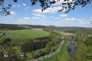 Read more about the article Natursteig Sieg #11: Von Wissen bis Scheuerfeld